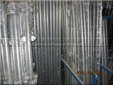 Postes met licos redondos postes cremallera postes for Seto redondo artificial